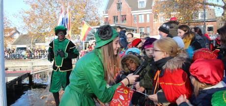 Zingen tot Sinterklaas aanmeert in Veghel