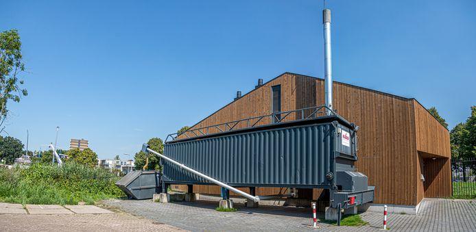 De biomassacentrale in de Muziekbuurt in Holtenbroek. Zwolle telt in totaal 3 van dit soort kleine centrales.