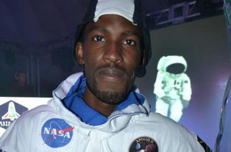 Mandla Maseko in een ruimtepak van NASA tijdens een training. Beeld The South African