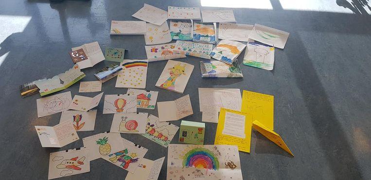 WZC Den Beuk kreeg de voorbije dagen al heel wat kaartjes toegestuurd van mensen die de bewoners een hart onder de riem willen steken.
