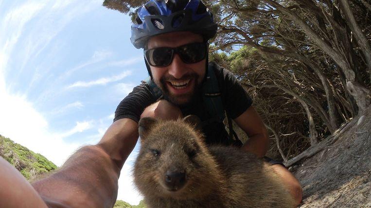 Arne Down Under, vlog 27: verplichte selfie met een quokka.