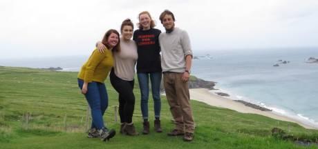 Sophie (18) zat op 'magisch' Iers privé-eiland waar nu 23.000 mensen willen werken