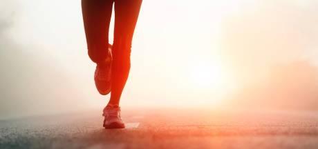 Man achtervolgt joggende vrouw in Tilburg, slaat hard op haar billen en steekt zijn middelvinger op