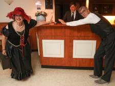 Clingclaer speelt coronaproof toneelstuk voor spelers en publiek