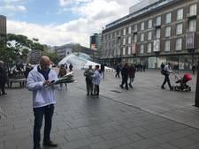 Moslims willen Eindhovenaren verbroederen met rozen