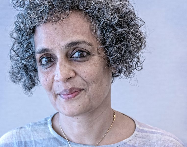 Suzanna Arundhati Roy is een Indiaas schrijfster en politiek activiste. Beeld Patrick Post