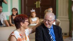 """Michel (66) lag vier weken in coma door corona, vandaag stapt hij in het huwelijksbootje: """"Zo blij dat ik dit nog mag meemaken"""""""