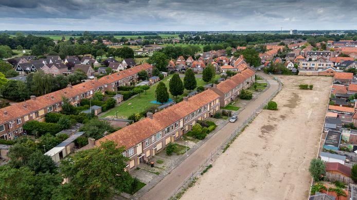 De woningen in de Bloemenbuurt in Steenwijk, die over een maand allemaal gesloopt worden en plaats maken voor nieuwbouw.