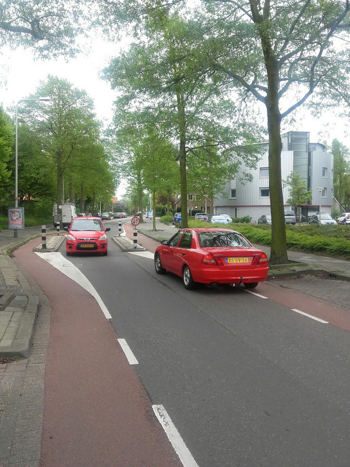 De Ambachtsweg in Wateringen.