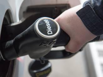 """""""Verenigd Koninkrijk verbiedt verkoop van nieuwe benzine- en dieselwagens al vanaf 2030"""""""
