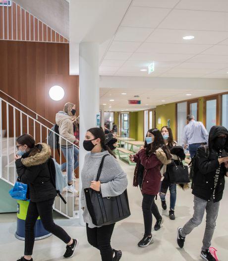 Scholieren in Rivierenland doen niet moeilijk om een mondkapje: 'Niemand die protesteert'