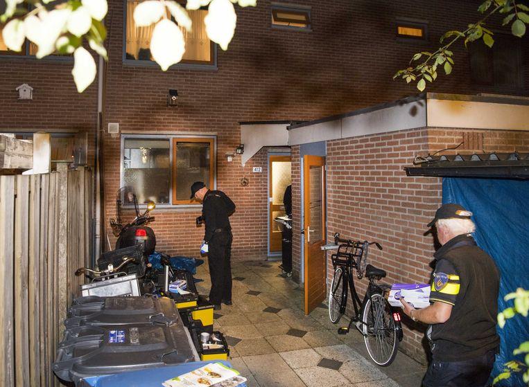 De woning aan de Stedumhof waar een arrestatieteam binnenviel.  Beeld ANP