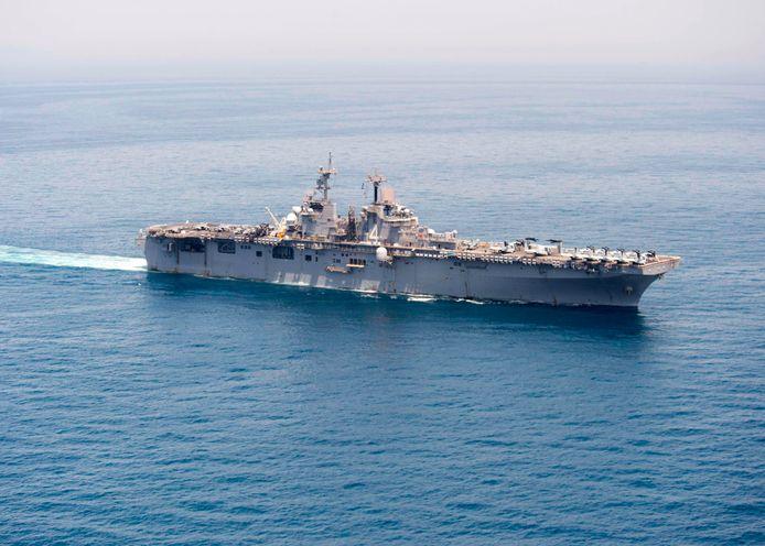 De USS Boxer