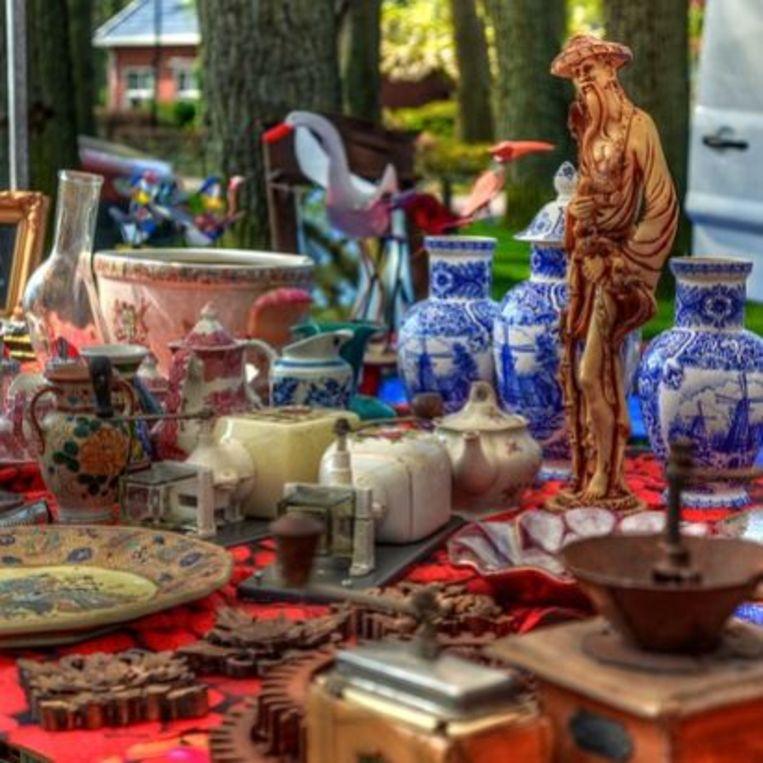 In Eke is er een antiek- en brocantemarkt.