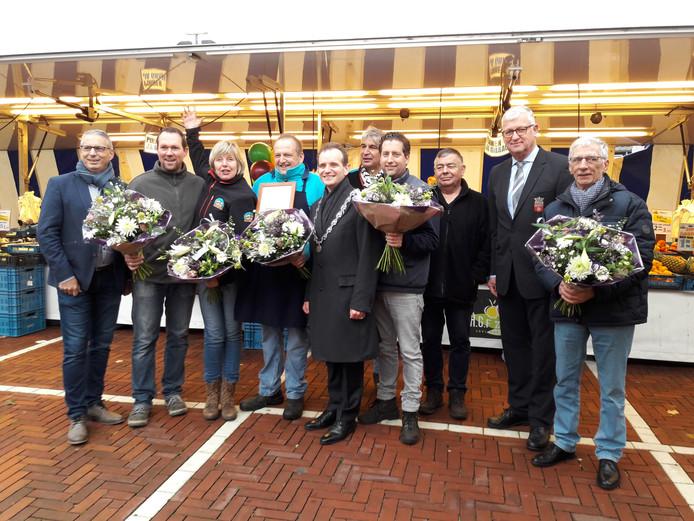 De markt in Millingen bestaat 40 jaar.  Foto Joop Verstraaten