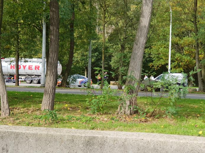 De Belgische politie onderzoekt de plek waar de Nederlander is gevonden.