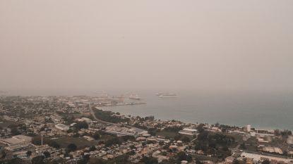 Caraïben gehuld in enorme stofwolk uit Sahara