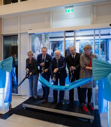 Reusachtig distributiecentrum Hoogvliet in alle stilte langs A12 bij Zoetermeer geopend
