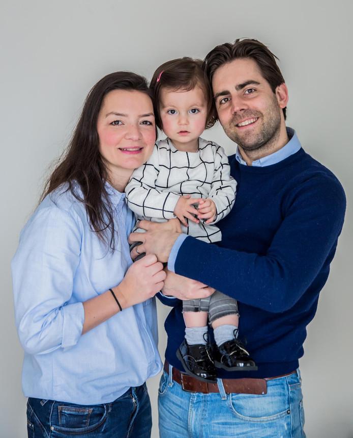 Bram Verbrugge met zijn vrouw en dochter Sara