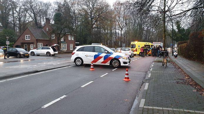 Een fietsster werd aangereden op de Gronausestraat in Enschede