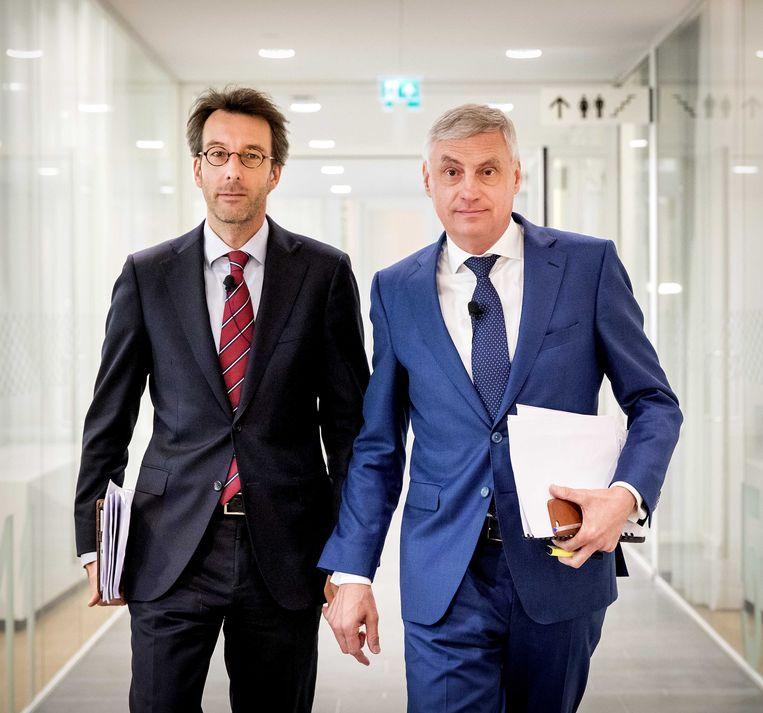 CEO Jos Baeten (R) en CFO Chris Figee van ASR tijdens de persconferentie over de beursgang van de verzekeraar. ANP KOEN VAN WEEL Beeld ANP