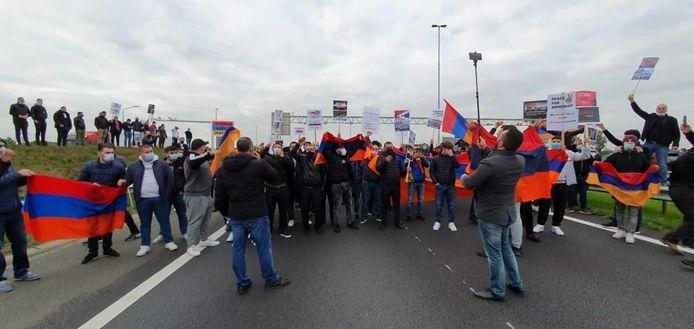 Betoging bij grensovergang Hazeldonk op de A16