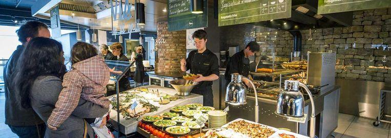 De curatoren verkopen La Place liever niet apart. Afzonderlijke verkoop van deze restaurantformule is lastig, omdat veel vestigingen in V&D-warenhuizen zijn gevestigd. Beeld anp