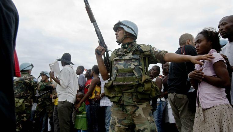 Een VN-soldaat in de Haïtiaanse hoofdstad Port-au-Prince.