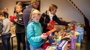 Leerlingen van Sint-Michielsschool en 7sprong geven speelgoed weg voor Rode Neuzendag