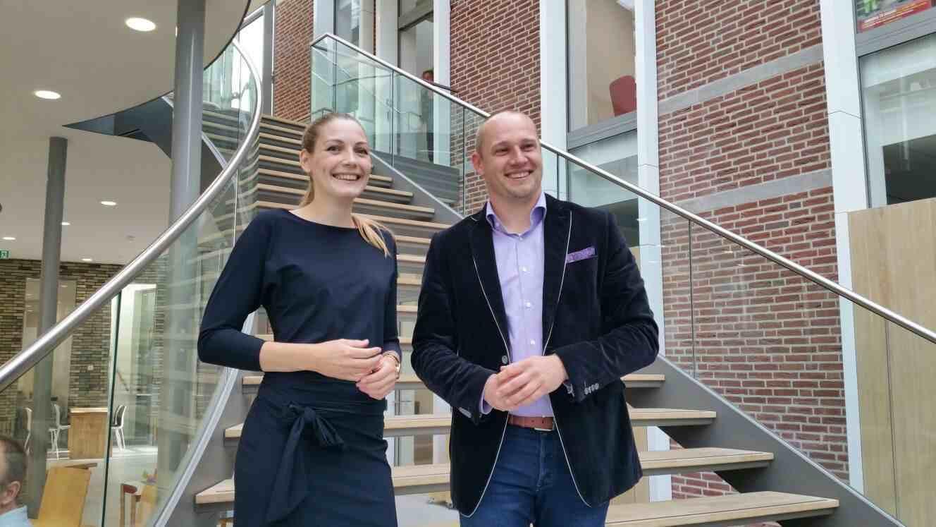 Parkmanager Jannet de Jong en wethouder Dennis Gudden.