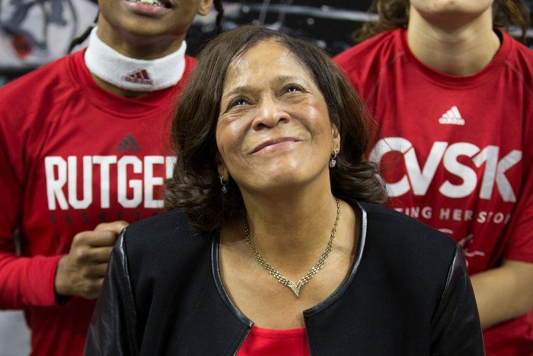 Trots na haar duizendste zege als coach: C. Vivian Stringer van de Rutgers Scarlet Knights. Beeld Getty