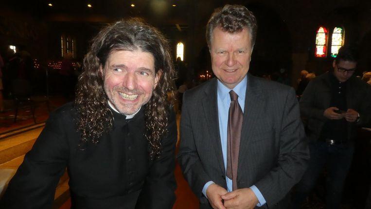 Piere Valkering op zijn boekpresentatie met oud-politicus Boris Dittrich. Beeld Hans van der Beek