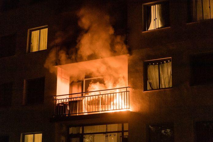 Hoe de brand aan de Rubinsteinstraat in Tilburg heeft kunnen ontstaan, is niet bekend.