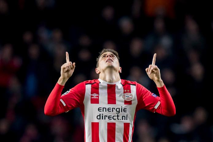 Ook in het seizoen 2016-2017 kwam PSV uit in de groepsfase van de Champions League. In groep D waren Atlético Madrid, Bayern München en het Russische Rostov de tegenstanders. In de thuiswedstrijd tegen Bayern, op 1 november 2016, maakte Arias zijn eerste Champions League-treffer in Eindhovense dienst. Zijn doelpunt (de 1-0) bleek uiteindelijk niet voldoende: PSV verloor met 1-2.