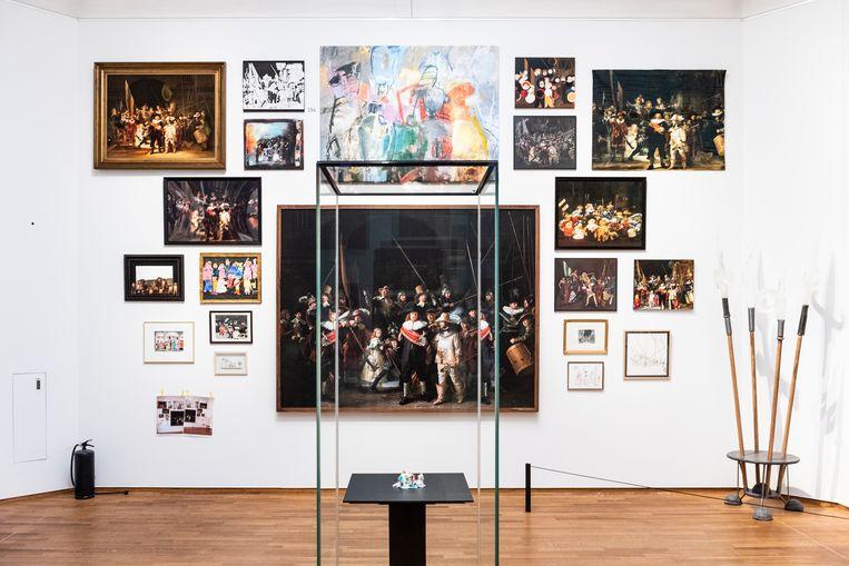 Tijdens het Rembrandtjaar nodigde het Rijksmuseum amateurkunstenaars uit om werk te exposeren dat gebaseerd is op dat van Rembrandt van Rijn. Beeld Simon Lenskens
