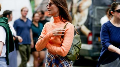 Fris en fruitig: tangerine is de nieuwe modekleur en zo draag je hem