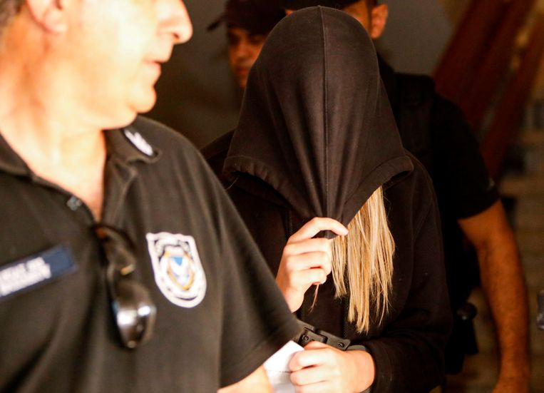 De zeven Israëlische jongeren die ervan verdacht werden een 19-jarige Britse vrouw op Cyprus verkracht te hebben, zijn vrijgelaten en intussen al terug in Israël.