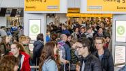 Enorme drukte op Schiphol: tientallen mensen missen hun vlucht