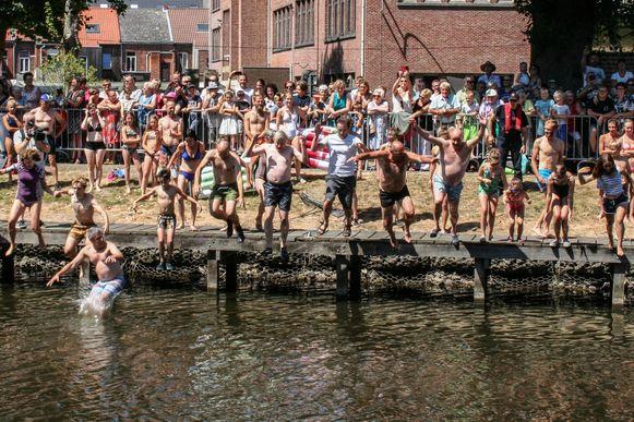 Een beeld van de Big Jump vorig jaar in Lokeren.