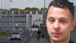 Een visburger bij McDonald's terwijl de gruwel zich afspeelt in Parijs: staatsveiligheid luistert gesprekken Abdeslam in cel af