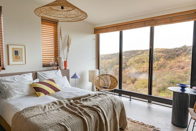 Bij Strandhotel Zoomers heb je vanuit je kamer op de duinen bij Castricum. Beeld null
