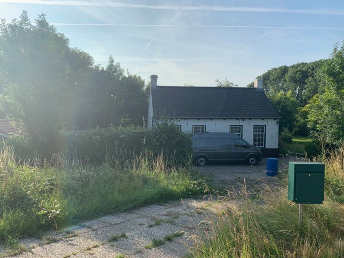 In Rilland zijn delen van een drugslab aangetroffen.