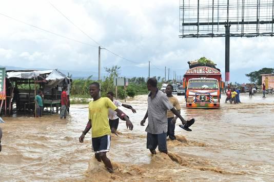 Overstromingen in Haïti nadat de orkaan voorbij trok.
