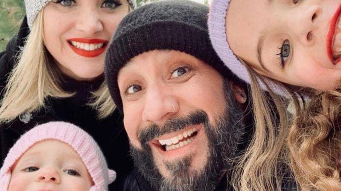 De 'Backstreet Boy' met zijn dochters Lyric en Ava en zijn vrouw Rochelle