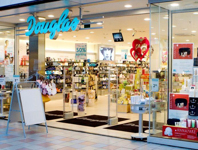 Parfumeriewinkel Douglas.