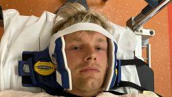 """Enzo Knol vertelt over pijnlijke val in zwembad: """"Artsen waren niet blij met mij"""""""