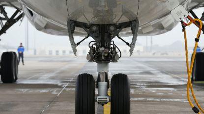 Verstekeling vriest dood in landingsgestel vliegtuig en valt net voor landing in Londense tuin