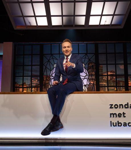 Bijna 1,9 miljoen kijkers zien Lubach met cynische kerstreclame: 'Ook al kut'