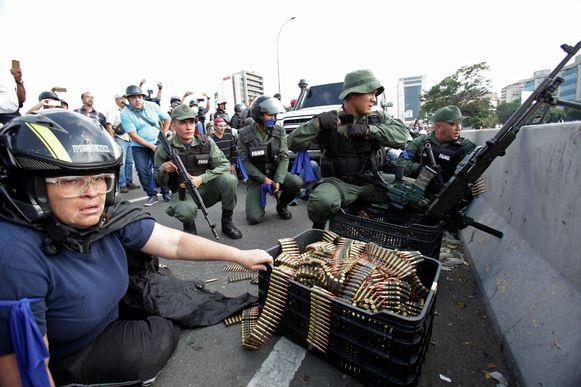 Eind april 2019 kwamen rebellerende soldaten - zonder succes - in opstand tegen het regime van president Nicolás Maduro. (03/04/2019)
