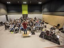 Limburgse muzikanten op bezoek in Vlierden